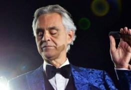 Andrea Bocelli critica lockdown e questiona gravidade da covid-19