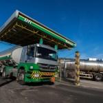 caminhao tanque em refinaria da petrobras em canoas rs - Petrobras eleva preços da gasolina pela 5ª vez no ano e do diesel pela 4ª