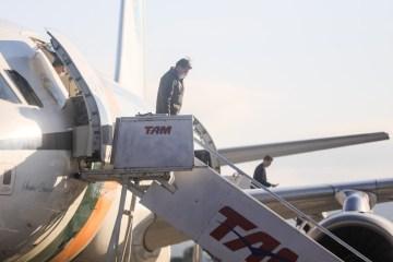 chegada presidente - Bolsonaro viaja a Santa Catarina e sobrevoa áreas atingidas por 'ciclone bomba'