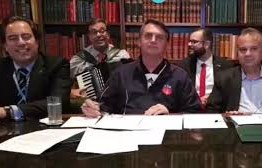 Netos de Luiz Gonzaga emitem 'nota de nojo' por Bolsonaro usar música do avô em live