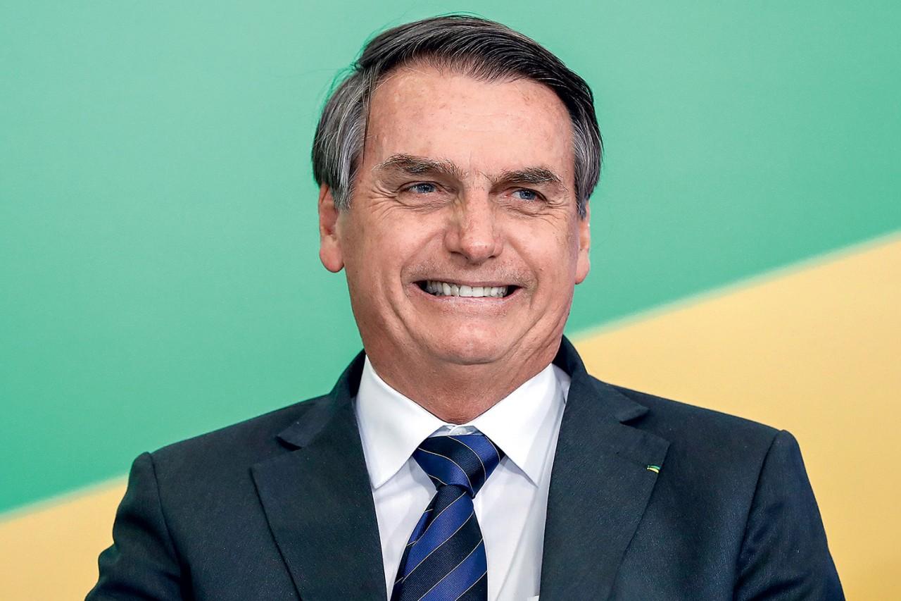 jair bolsonaro 2019 - Bolsonaro sanciona MP que permite redução de jornada e salário