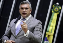 """AO ANTAGONISTA: Julian Lemos confirma reaproximação com Bolsonaro e diz que """"quem mudou foi o Planalto"""" – ENTENDA"""
