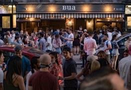 Universitários fazem 'festas Covid' com aposta para ver quem pega coronavírus primeiro