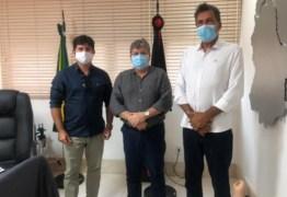 Em audiência com Ricardo Barbosa, João Azevêdo garante realização de obras em Lagoa de Dentro