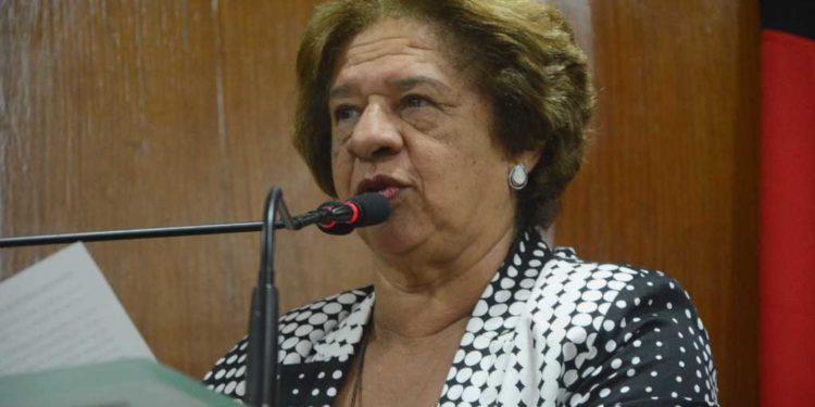 """HELENA 750x375 1 - Helena Holanda nega pressão de Cartaxo por apoio a Edilma Freire: """"Ele sabe que temos o nosso partido o pré-candidato Cícero Lucena"""""""