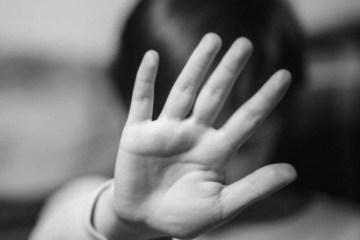 abuso criança - Garoto de 11 anos apanha por ter relações com prima de 4 anos