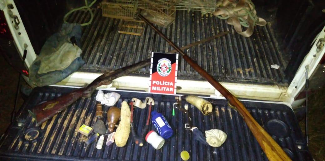 armas policia - Polícia Militar solta 14 animais silvestres e apreende duas armas de fogo em ação na Zona da Mata
