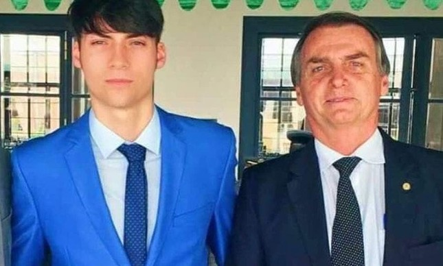 "jair renan - Jair Renan, filho ""04"" de Bolsonaro está com Covid-19"