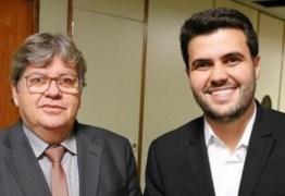 Wilson Filho parabeniza João por anúncio de obras no Alto Sertão durante plenária do ODE