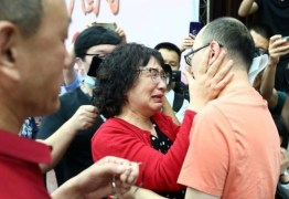 Após 32 anos, mãe reencontra filho que foi sequestrado e vendido