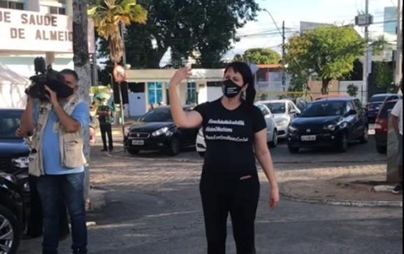 médica - Médicas do ISEA de CG protestam contra assédio e cobram uma posição do prefeito Romero Rodrigues - VEJA VÍDEO