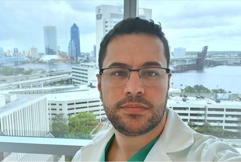 médico 1 - Médico que participou da separação de gêmeas siamesas em Ribeirão Preto, morre vítima da Covid-19