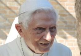 Bento XVI está em situação 'extremamente frágil', afirma imprensa alemã