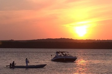 Parque do Jacaré, em Cabedelo, é liberado para passeio de catamarã e Pôr do Sol