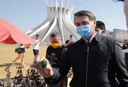 'Vontade de encher sua boca de porrada', diz Bolsonaro a repórter -VEJA VÍDEO