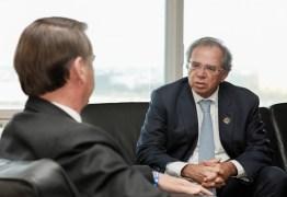 Bolsonaro reúne ministros no conselho de governo nesta terça-feira