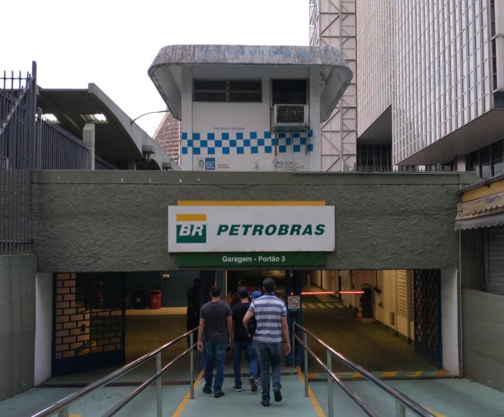 14128 5A8734BFD7A65D51 1024x846 - OPERAÇÃO SOBREPREÇO: Agentes da PF cumprem mandados de busca e apreensão na sede da Petrobras