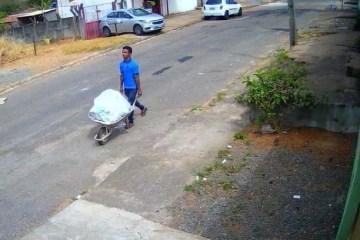 2je4nik3cbyjpl5iky69lpt1e - Polícia prende homem que foi flagrado carregando corpo em carrinho de mão