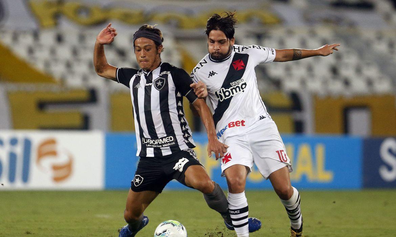 50339084898 6b012c9845 o - Vasco triunfa em clássico com Botafogo