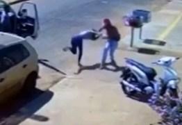 Homem é preso após tentar atropelar ex-mulher com caminhão; VEJA VÍDEO