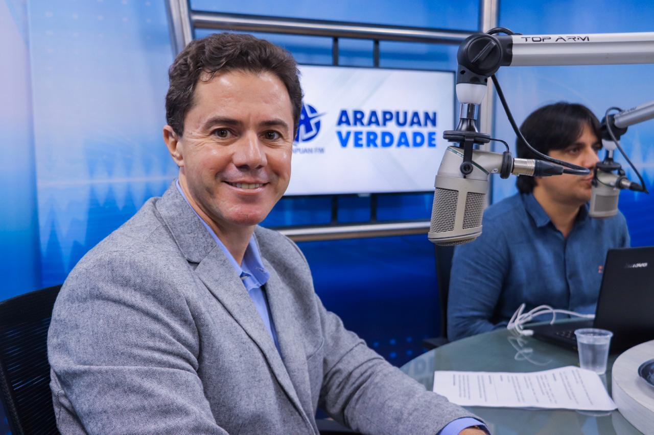 """VENEZIANO NA RADIO 2 - Em entrevista, Veneziano fala sobre Nilvan Ferreira no MDB, eleições em 2022 e ironiza gestão de Bruno em CG: """"E começou?"""" - CONFIRA"""