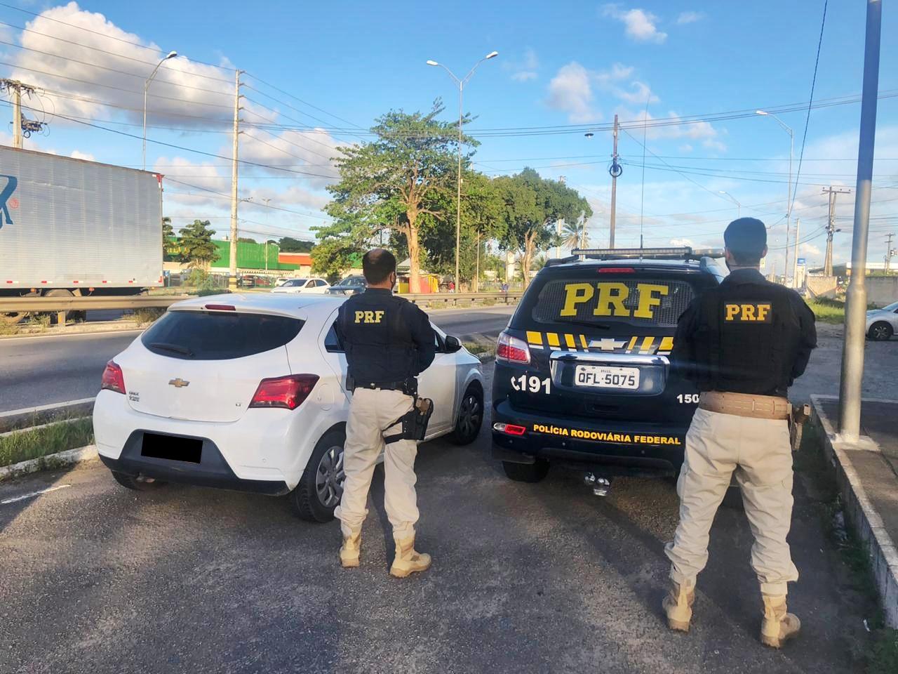 WhatsApp Image 2020 09 04 at 08.22.28 - PRF na Paraíba prende três homens acusados de roubar carro de um motorista de aplicativo