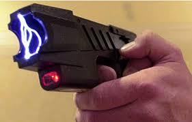 download 3 1 - Jovem faz brincadeira com arma de choque e é baleado quatro vezes na Grande JP