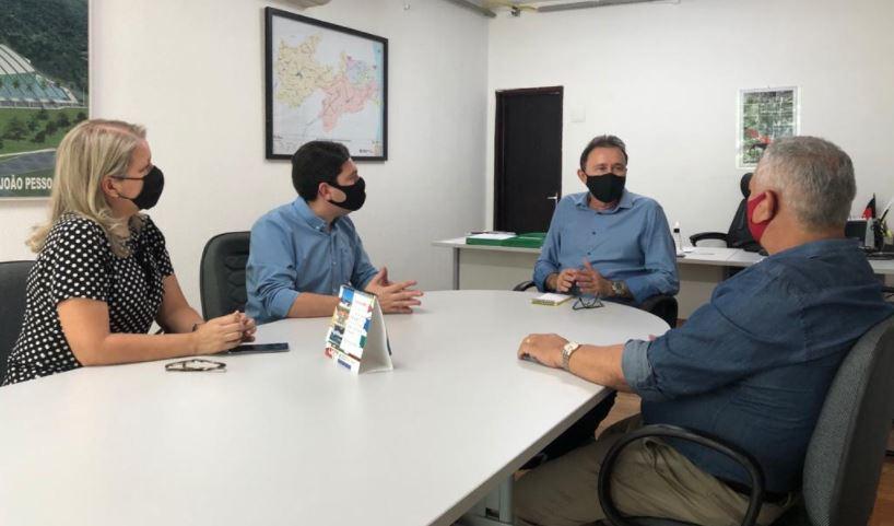 felip - Felipe Leitão e Marcelo Rodrigues garantem retomada das obras paralisadas na PB-034 que liga Alhandra a BR-101