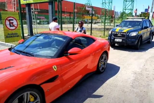 ferrari apreendida - Ferrari é apreendida por licenciamento atrasado na Grande João Pessoa