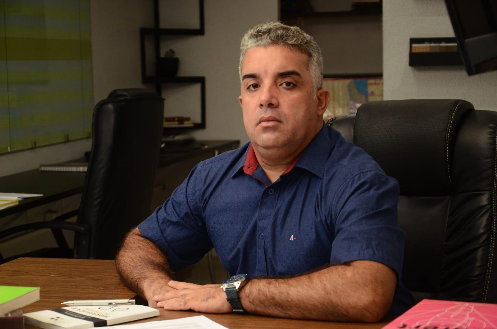 gugaa - IMAGENS FORTES: Candidato a vereador de João Pessoa 'Guga de Jaguaribe' agride e ameaça morador do bairro de Jaguaribe