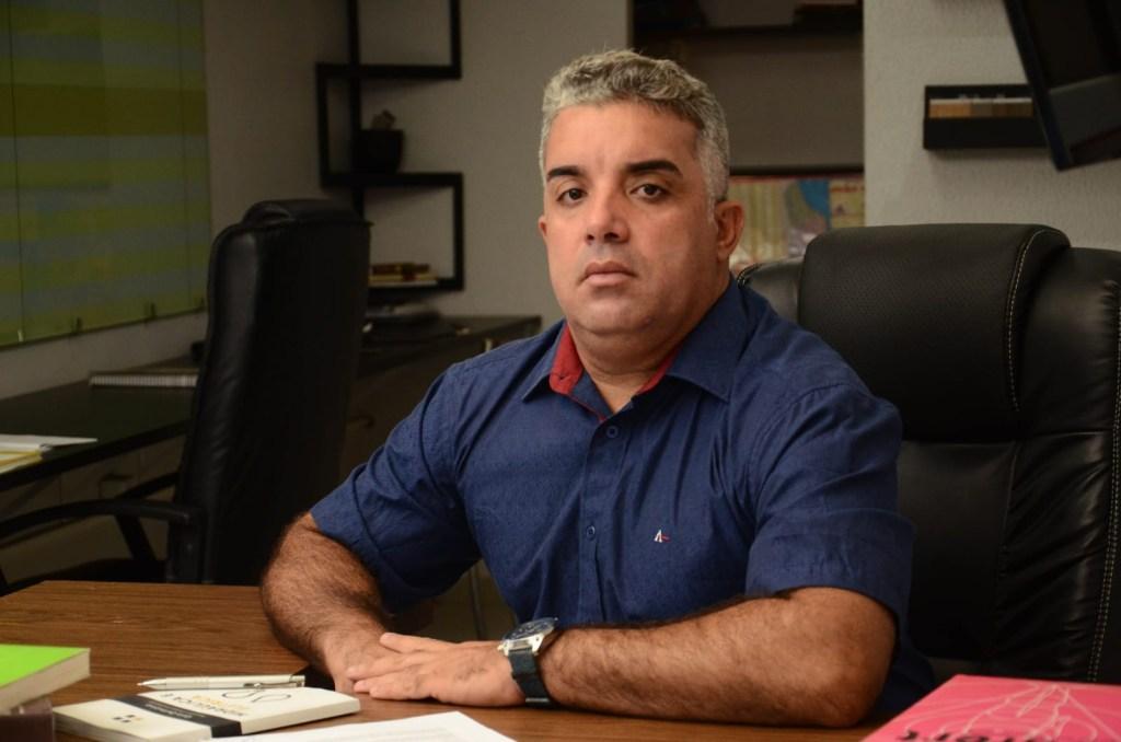 gugaa 1024x678 - IMAGENS FORTES: Candidato a vereador de João Pessoa 'Guga de Jaguaribe' agride e ameaça morador do bairro de Jaguaribe
