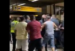 Jogadores do Corinthians sofrem ameaça durante desembarque em São Paulo – VEJA VÍDEO