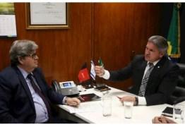INVESTIMENTOS EM SEGURANÇA: Julian Lemos se reúne com João Azevêdo para tratar de Segurança Pública