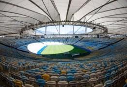 EM OUTUBRO: Crivella anuncia jogo do Fla e Athletico, com público