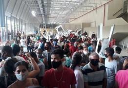 Segundo dia de emissão gratuita de documentos tem aglomeração em João Pessoa