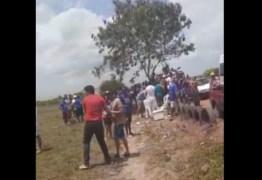 VÍDEO: em Pedras de Fogo, grupos dos candidatos a prefeito Leonardo Barros e Manoel Júnior se esbarram e encontro quase termina em confronto