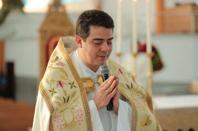 1 padre robson 6242912 - Padre Robson é inocentado de acusações de lavagem de dinheiro em Trindade