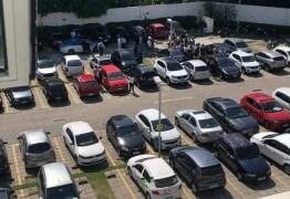 Casal é achado morto em estacionamento de shopping; homem teria matado mulher e se matado em seguida