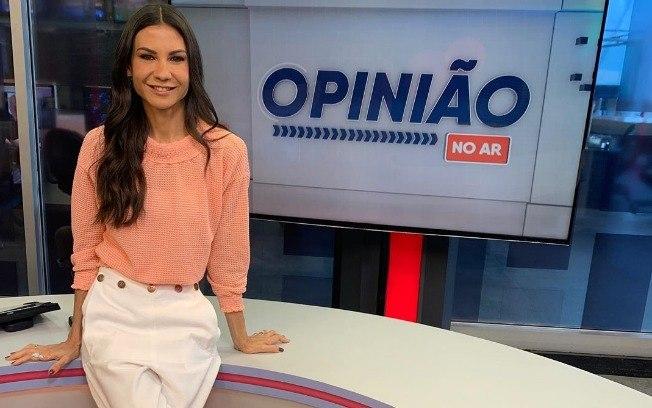 """2azsgxhgj1lemesccbtf89aq8 - Bolsonaristas pedem demissão da jornalista da RedeTV Amanda Klein: """"Esquerdopata!"""""""