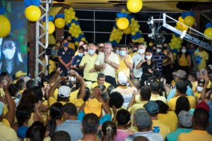 7a5fc75f 829d 4887 9ee9 4b8393598785 620x414 1 300x200 - Renato Mendes lança sua campanha à reeleição em Alhandra ao lado do vice-prefeito Lêdo e dos deputados Branco Mendes e Efraim Filho