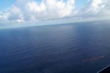 ACAUÃ - EM PITIMBÚ: helicóptero Acauã sobrevoa mar para verificar suposta queda de avião; VEJA VÍDEO