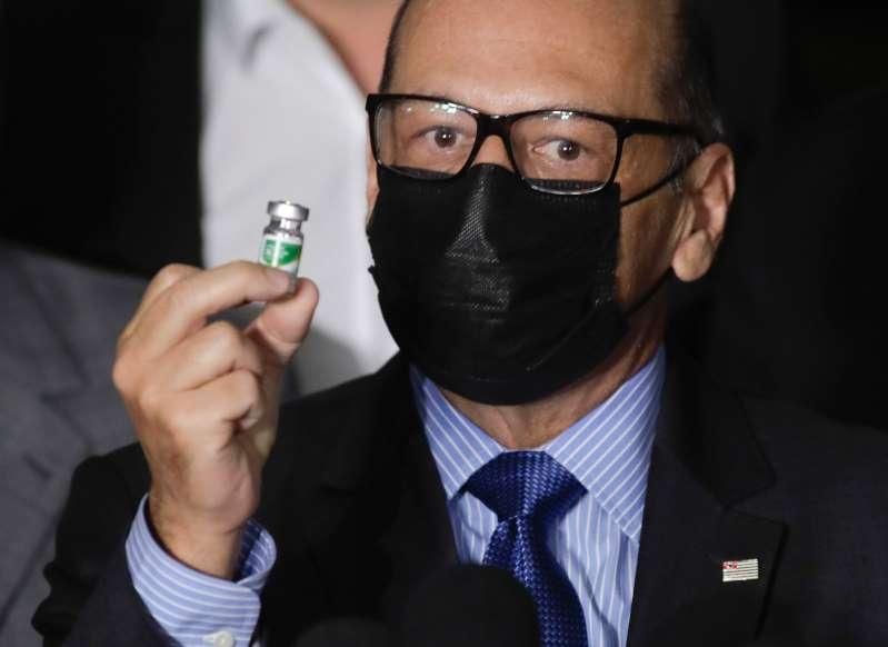 BB1aggL9 - Vacina sairá mesmo sem financiamento do governo, diz presidente do Butantan