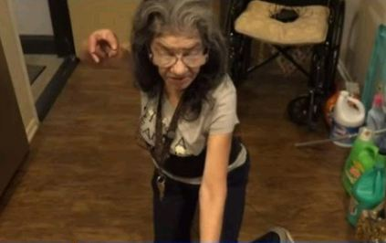 Capturar 8 - 'LADY NINJA': Idosa espanta invasor de sua casa com golpe de jiu-jitsu