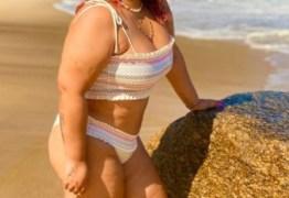 """Preta Gil mostra partes íntimas em foto, fã debocha e cantora ataca: """"Minha xereca gorda"""""""