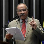 Chico Rodrigues - Senador que foi flagrado com dinheiro na cueca pede afastamento por 90 dias