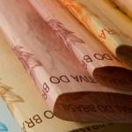 Dinheiro 1 - Estado paga salários de outubro dos servidores na quinta (29) e sexta-feira (30)