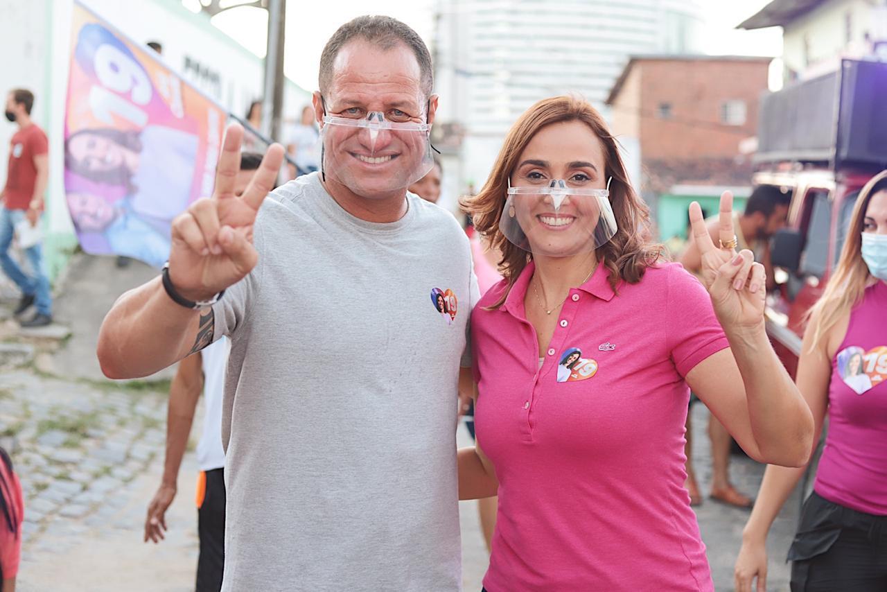 WhatsApp Image 2020 10 18 at 19.05.33 2 1 - Em Caminhada na Vila Cabral, Ana Cláduia é acolhida pela população e garante construir creche e ampliar assistência à saúde