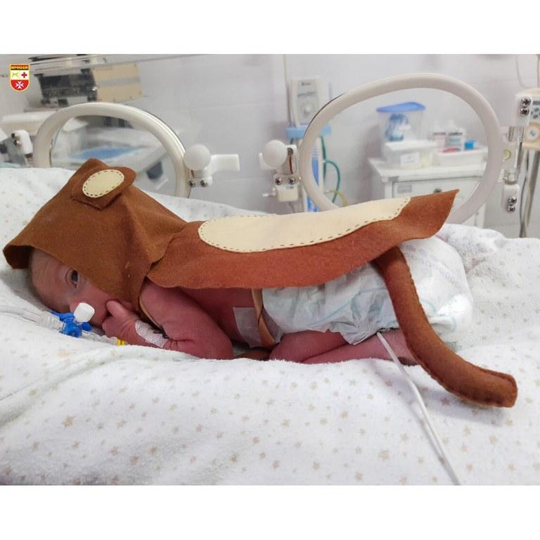 crianca 3 - DIA DAS CRIANÇAS: Recém-nascidos da UTI usam fantasias para celebrar a data - VEJA FOTOS