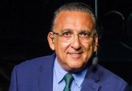 Galvão Bueno volta atrás e diz que negocia com Globo para narrar Copa-2022