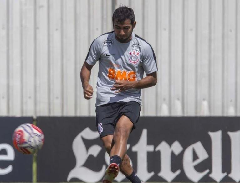 jogador - Ex-Fluminense, Sornoza tem residência invadida por ladrões, no Equador
